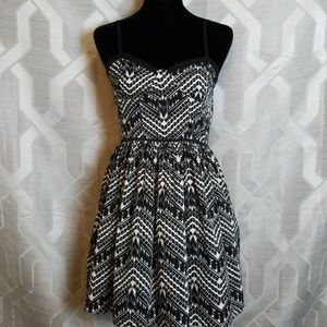 Black and White Summer Day Dress
